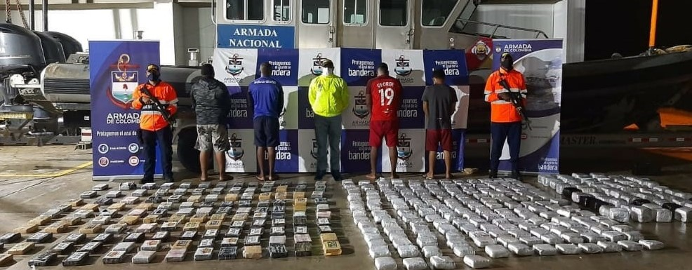 Armada de Colombia incautó cargamento de Cocaína y Marihuana en el mar Caribe