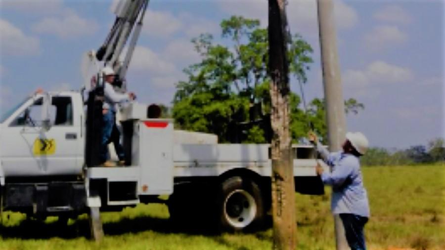 Trabajos para fortalecer la red eléctrica en el sur de Córdoba